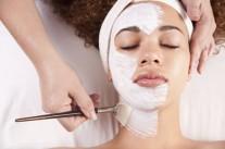 Enyhe hámlasztó hatású arc-és testradír